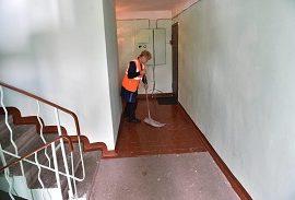 Роспотребнадзор уточнил требование СанПиН к влажной уборке в МКД